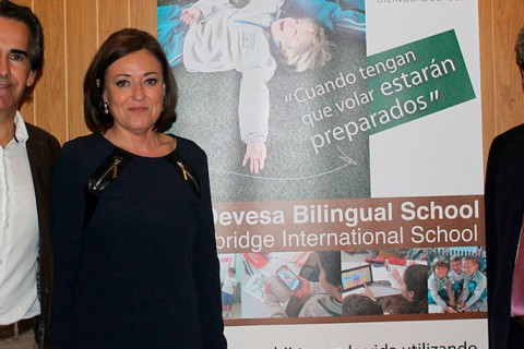 ladevesacambridge 1100x457 480x320 - La Devesa Bilingual School se une a la comunidad de Cambridge International School