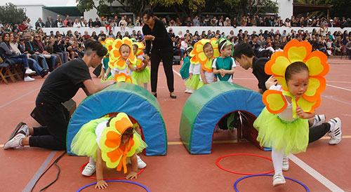 olimpiadaarenassur1 500x275 - Un aniversario de olimpiada en el colegio Arenas