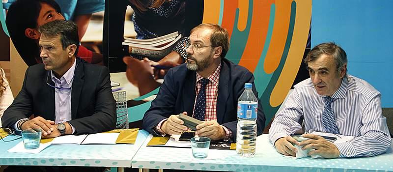 ejecutiva septiembre 2016 foto 2 - Charo Vega, nueva secretaria general de ACADE