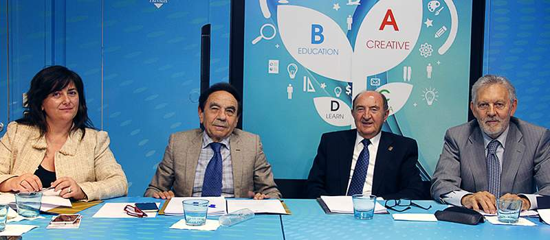 ejecutiva septiembre 2016 foto 5 - Charo Vega, nueva secretaria general de ACADE