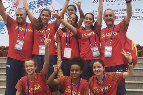 atletismo campeonasmundo 480x320 - Colegio Base, premio nacional del deporte 2015