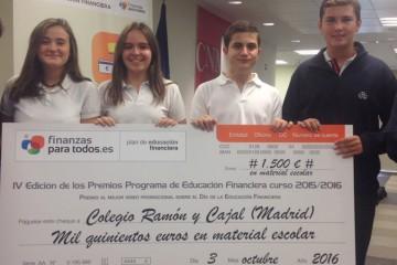El colegio Ramón y Cajal recoge el premio al Mejor Vídeo Promocional del Programa Educación Financiera
