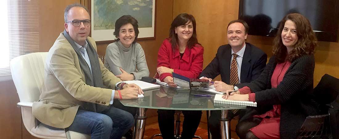foto de noticia de reunion acade fecei - Más de doscientos representantes de la enseñanza privada de idiomas se reunieron el Congreso de FECEI