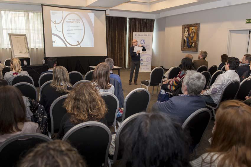 LOL7887 - Más de doscientos representantes de la enseñanza privada de idiomas se reunieron el Congreso de FECEI