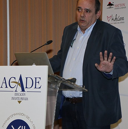 Javier muñoz xii convencion web 440x445 - La transformación de la escuela infantil del siglo XXI en la Convención de ACADE
