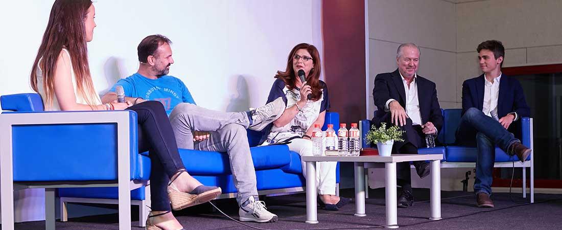 Coloquio alumnos Día de Europaweb - El colegio Europeo de Madrid celebró el Día de Europa con Richard Vaughan y el deportista Ángel Sanz