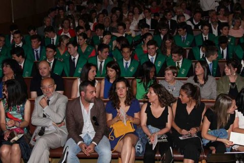 graduacion bachillerato peleteiro 2017 480x320 - Acto de graduación de bachillerato en el colegio Peleteiro