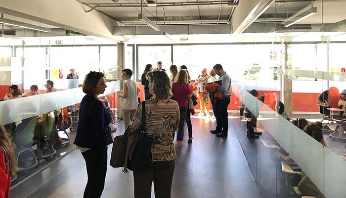 aula cristal raon y cajal 700x400 - El colegio Ramón y Cajal de Madrid abordó su nuevo concepto de espacio pedagógico en el Club de Excelencia e Innovación de ACADE