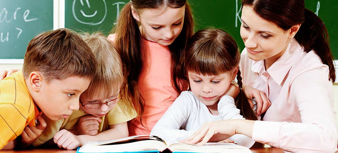 clase primaria1100x500 - Día del Maestro, gracias por vidas de enseñanzas