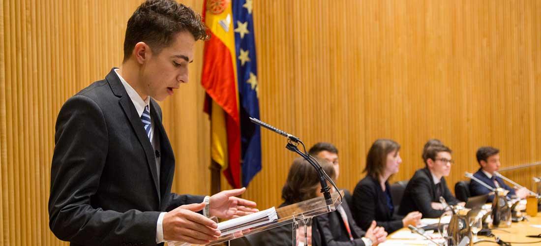 Alumnado-en-el-MEP