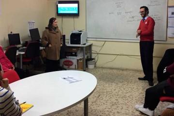 Los alumnos de El Centro Inglés imparten clases para ayudar a la inserción laboral de portuenses