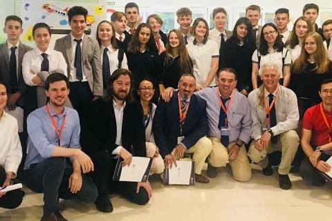 IN encuentro debate laude fontenebro 480x320 - Segunda Competición de Debate entre los Colegios Laude