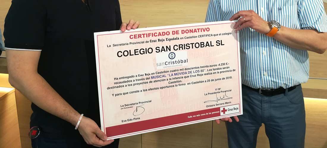 COLEGIO SAN CRISTÓBAL DONACIÓN A CRUZ ROJA 1 1 - El colegio San Cristóbal celebra Ven a mi cole 2018 con un éxito de asistencia