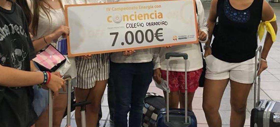 cheque colegio peleteiro - El colegio Obradoiro obtiene el primer premio en el concurso Energía con Conciencia