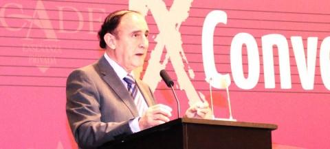 angel de miguel convencion 480x218 - Juan Santiago elegido presidente de ACADE