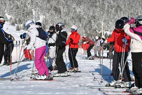 hatton esqui 480x320 - Hatton Events presenta su oferta de viajes de esquí para los centros de ACADE