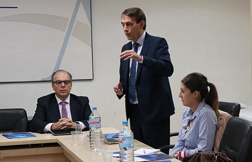 presentacion club - Veintitrés directivos de Centros de ACADE participaron en la VI sesión del Club de Excelencia e Innovación