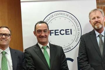 El presidente y el tesorero de FECEI se reúnen con Juan Santiago