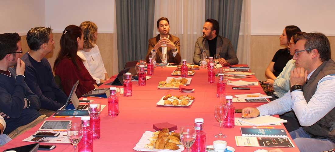 desayuno ACADE valencia octubre2018 - Éxito en el último desayuno de ACADE-Comunidad Valenciana sobre medición de resultados en innovación educativa