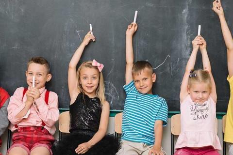 niñoas primaria 480x320 - ¿La filosofía solo es cosa de adultos?