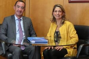 Mª Europa Guzmán, nueva presidenta de Danza, se reúne con Juan Santiago
