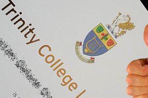 Los resultados de los alumnos en el Trinity GESE-1 respaldan el modelo del multilingüismo de Alaria Escuelas Infantiles