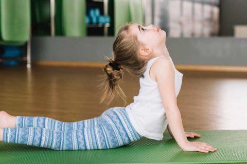 yoga niña 480x320 - Noticias de los centros asociados de ACADE