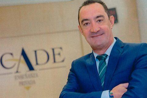 """Entrevista sector ejecutivo Juan Santiago 1 480x320 - """"En Defensa de la Educación Privada"""", entrevista al presidente de ACADE en la Revista Sector Ejecutivo"""
