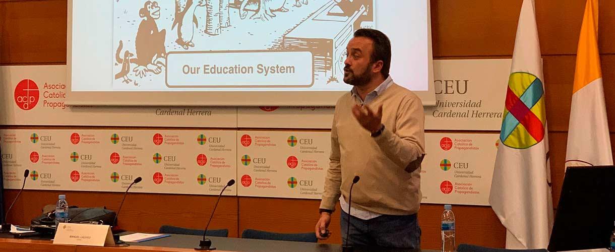 Franc - Alejandro Monzonís en el programa de radio EducaAcción