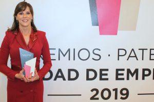 Maite Marín, directora del Complejo Educativo Mas Camarena, recibe el Premio Mujer Empresaria 2019