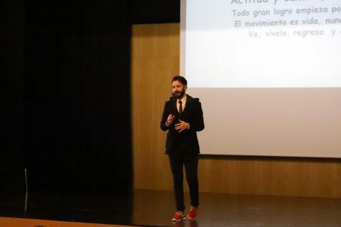 Victor Tasende 3 buena 1 480x320 - El deportista Víctor Tasende comparte su historia de superación con los alumnos de Colexio M. Peleteiro