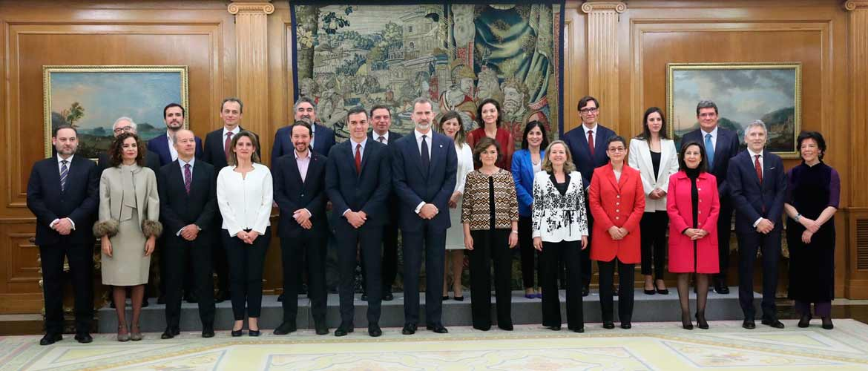 rey promesa ministros 20200113 23 1 - ACADE ofrece colaboración al nuevo Gobierno y reivindica el papel de la enseñanza privada