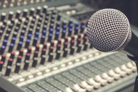 mesa mezcla radio 480x320 - Noticias de la Sectorial de Escuelas Infantiles