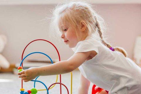 niña jugando 480x320 - Noticias de la Sectorial de Escuelas Infantiles
